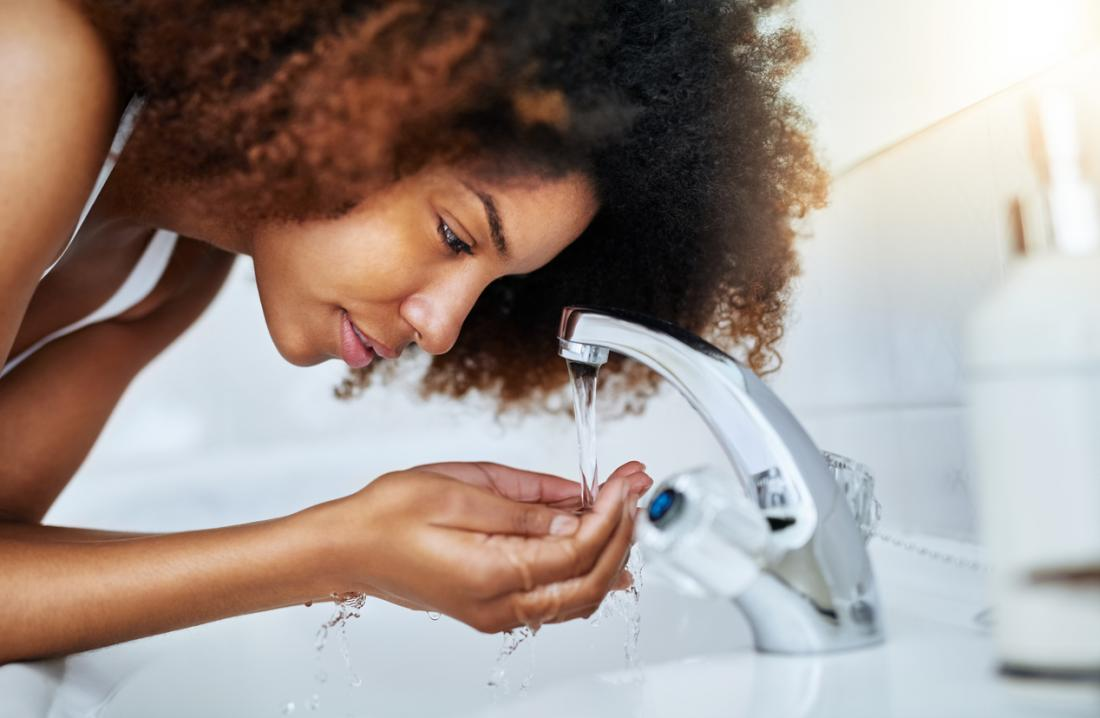 Sivilce yüz yıkama
