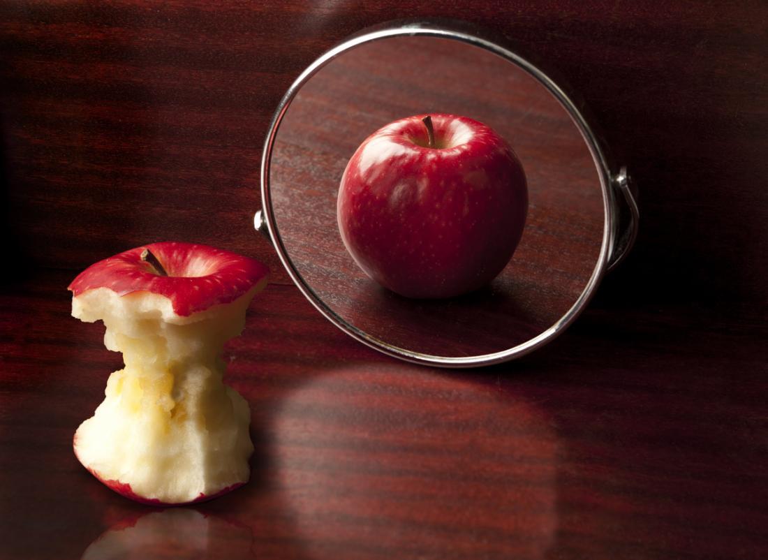 Анорексията може да доведе до изкривено изображение на тялото и нежелание към яденето.