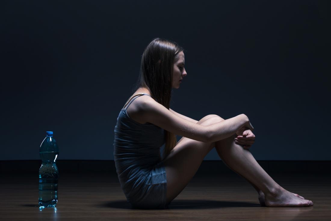 Анорексията нервоза е не само за избягване на храна, но и предизвиква емоционални предизвикателства.
