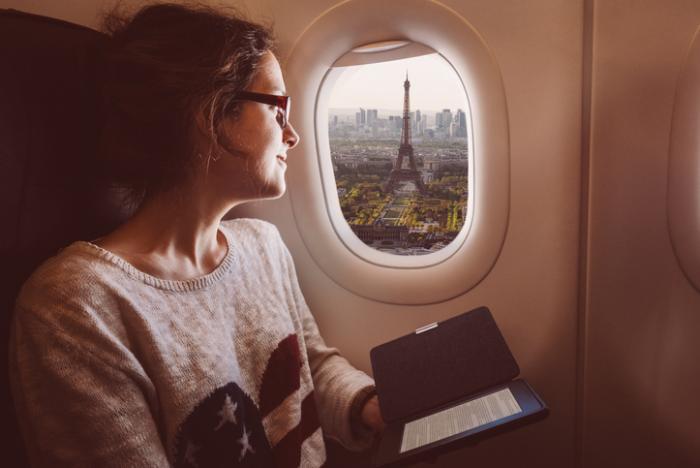 Paris'e uçakla seyahat