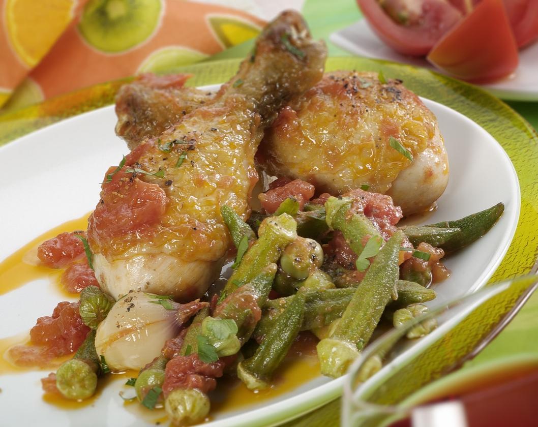Okra cuit avec du poulet