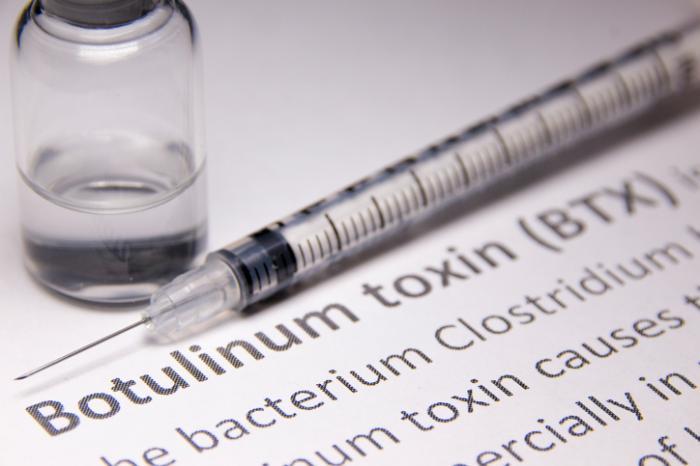 [độc tố botulinum chịu trách nhiệm về ngộ độc botulism]