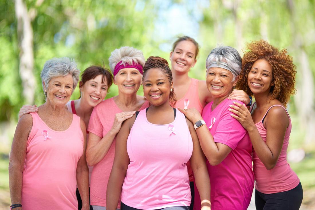 Gây quỹ cho tổ chức từ thiện ung thư vú bằng marathon.