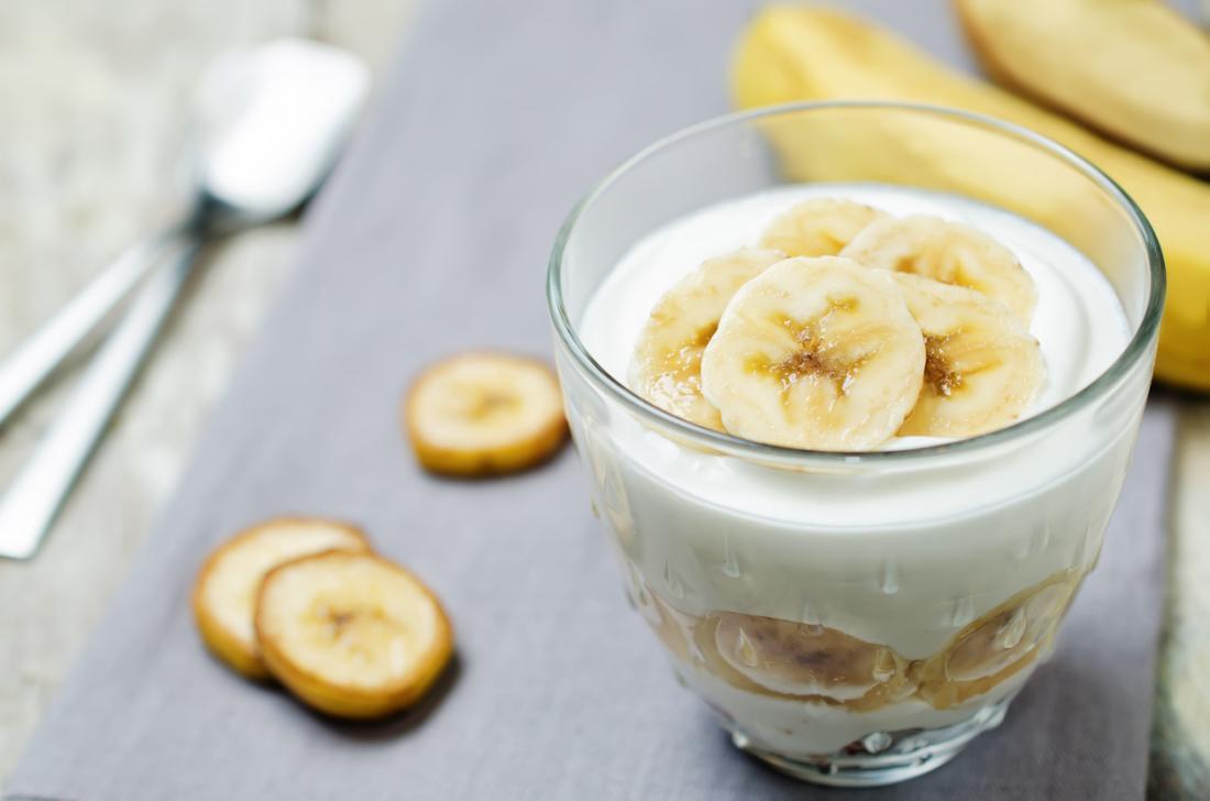 банан и гръцко кисело мляко