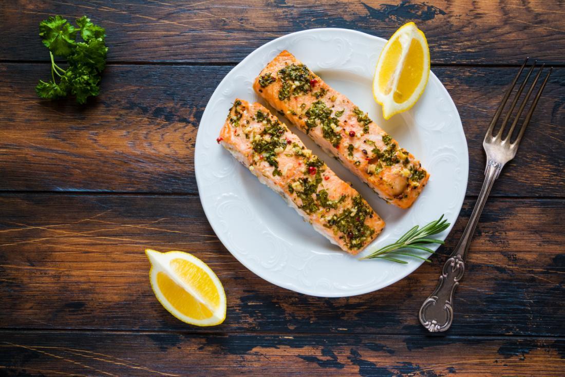 Tłuste ryby są dobrym źródłem oleju omega-3, ale jakie są korzyści?