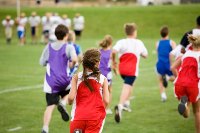 yarış çalışan çocuklar