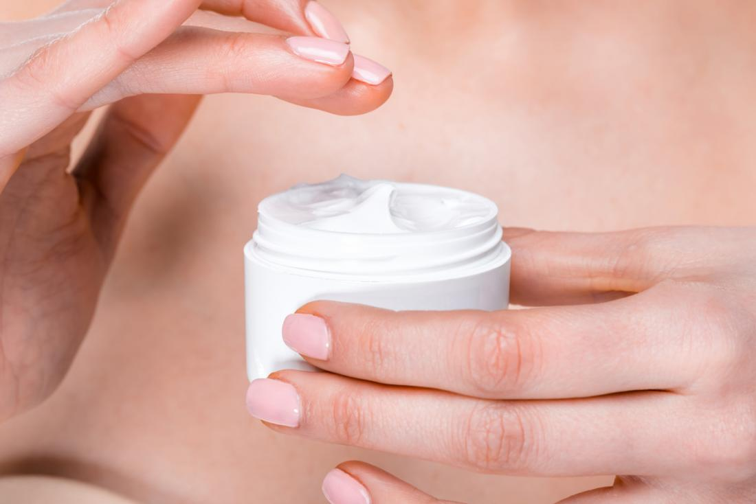 Các loại kem collagen không có tác dụng, vì các phân tử collagen quá lớn không thể đi qua da.
