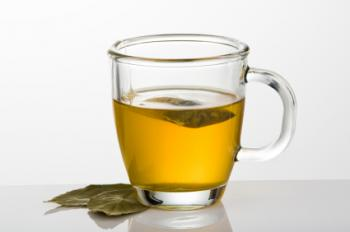 [Une tasse de thé vert