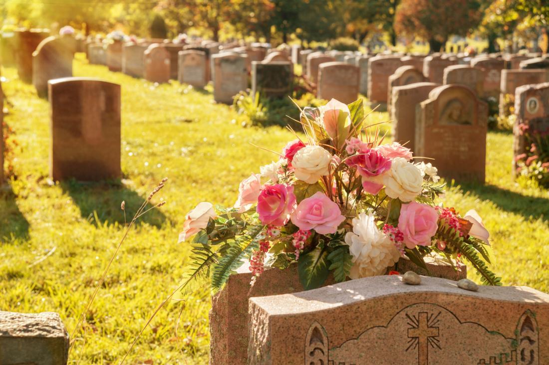 cimitero soleggiato
