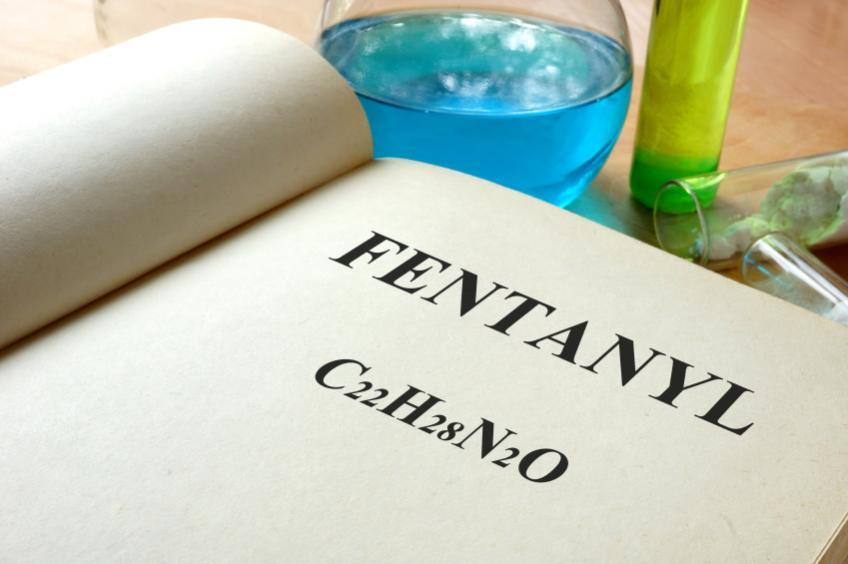 Fentanyl écrit avec une formule chimique