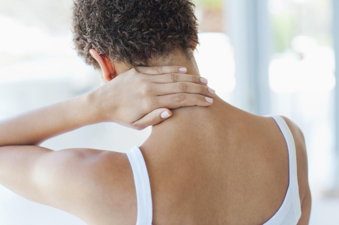 A fibromialgia pode levar a dor generalizada, problemas de sono e outros sintomas.