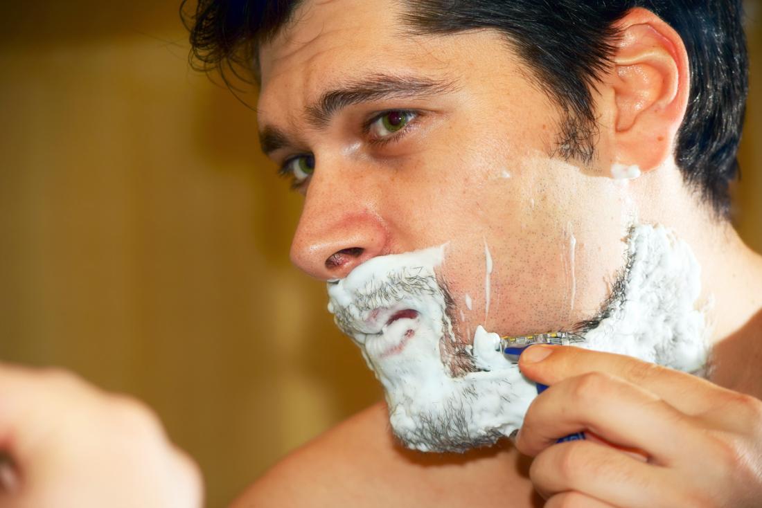 barbear molhado homem