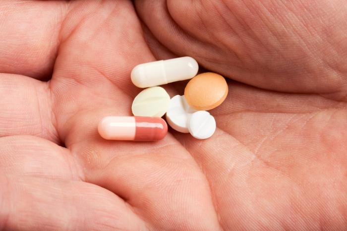 Một vài viên thuốc và viên nang.