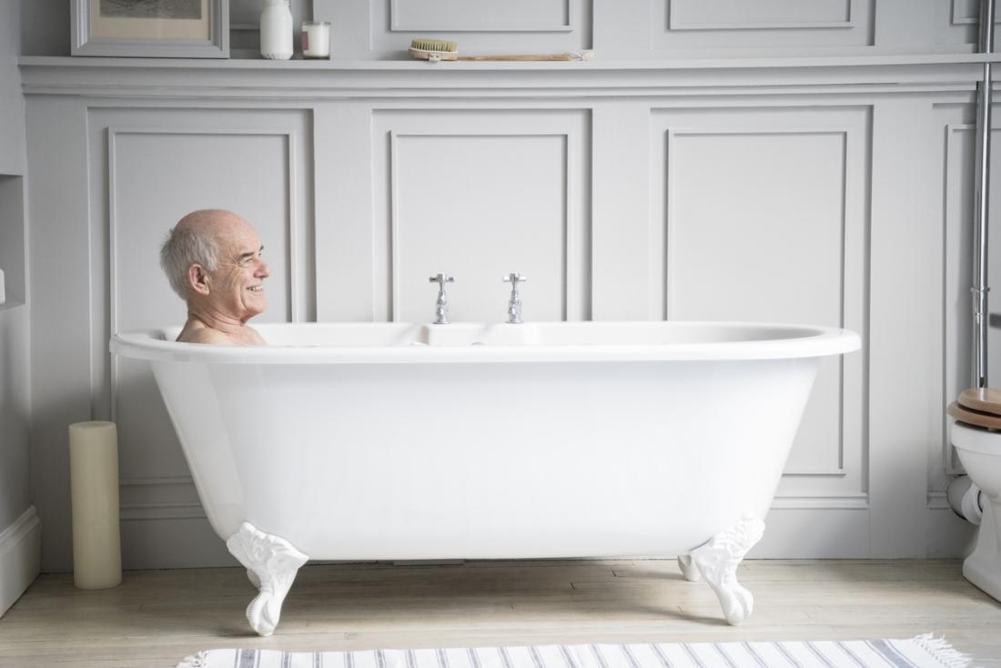 温浴は、症状を緩和するのに役立つ簡単な在宅療養です。
