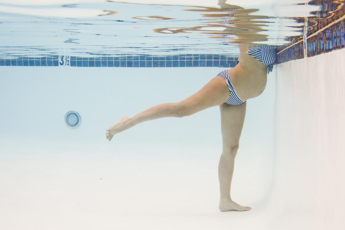 [Gravidez nadando]