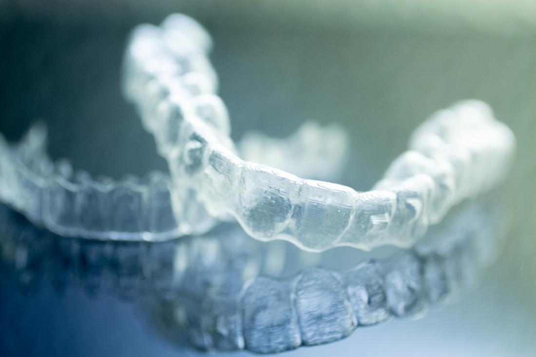 Brizsizmi veya dişleri taşlamak için kullanılan ağız tutucusu.