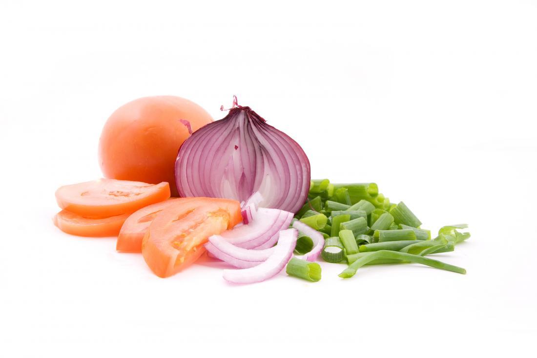 домат и лук