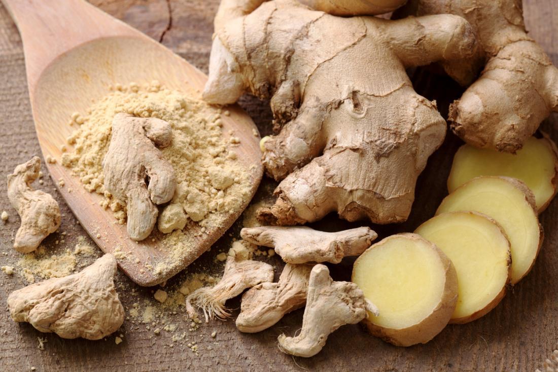 Raiz ou gengibre em pó adiciona sabor a muitos pratos, e pode beneficiar a saúde também.