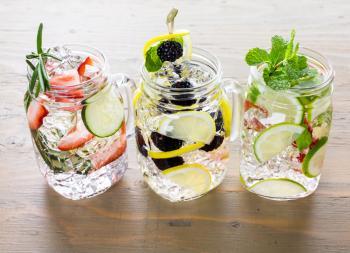 Nước có hương vị truyền nước