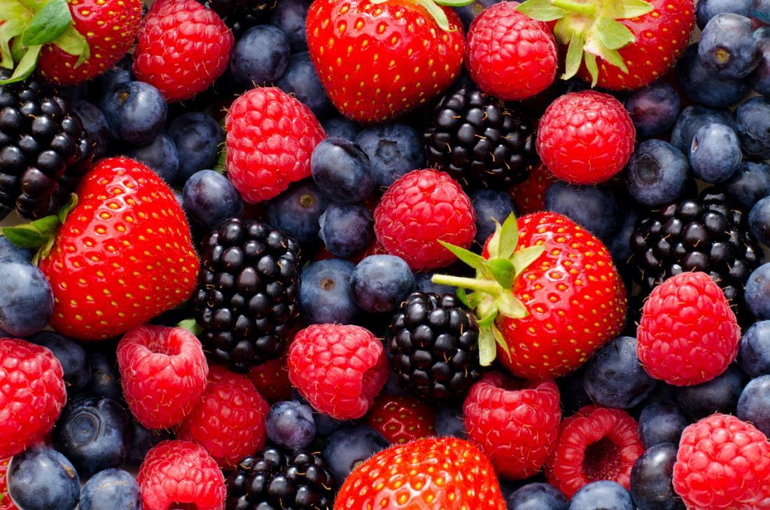 Erdbeeren Brombeeren Himbeeren und Blaubeeren.