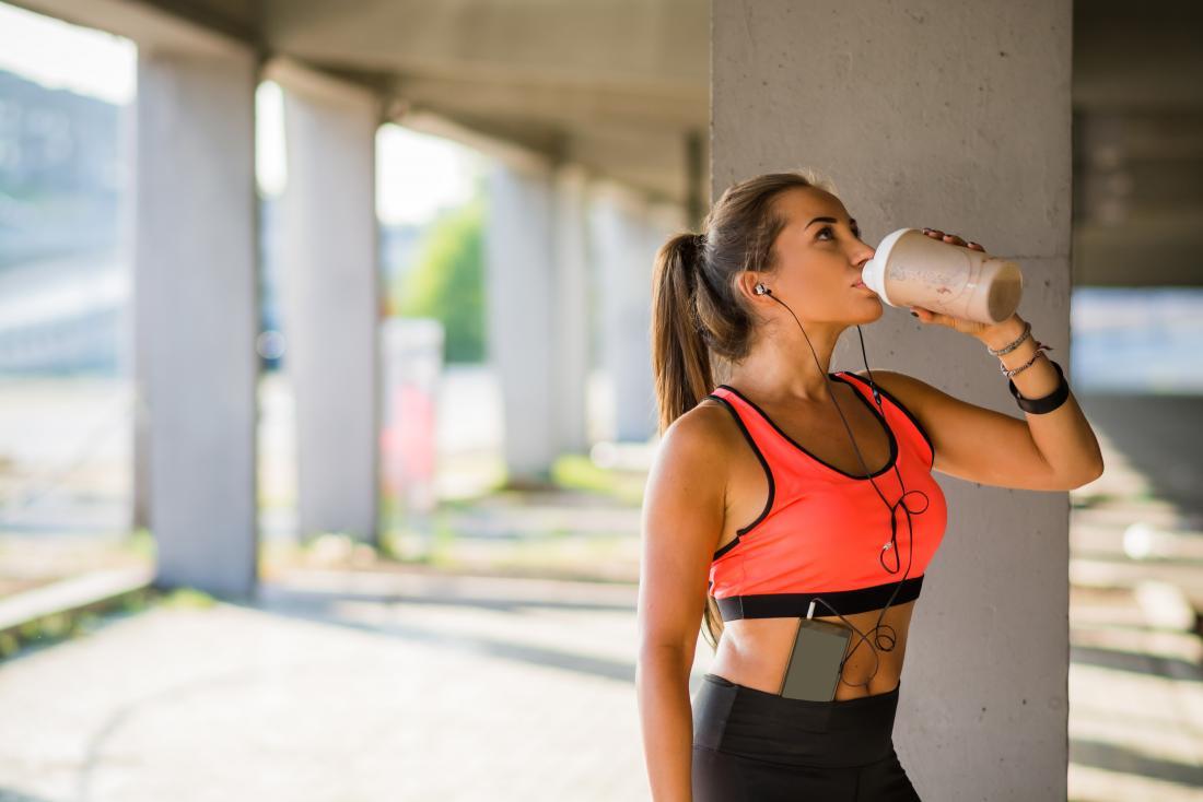 Les shakes protéinés sont de bons aliments de gain de poids