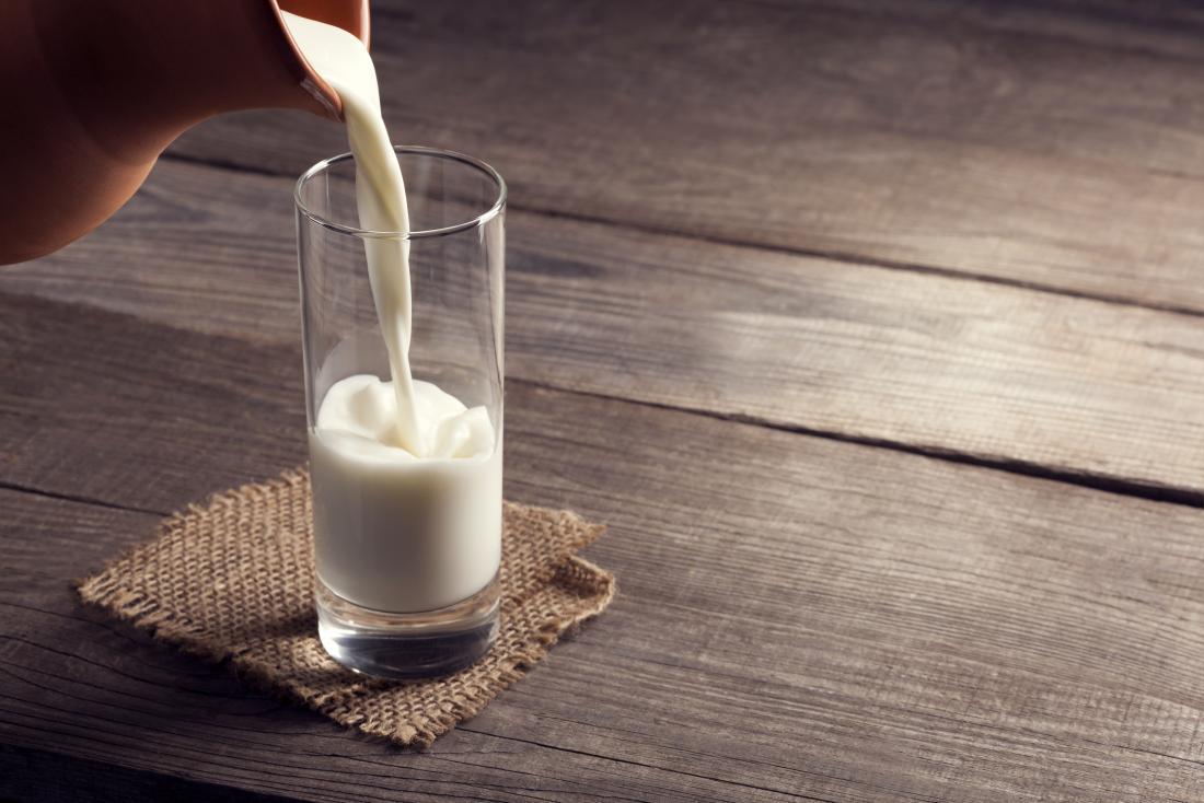 verser un verre de lait