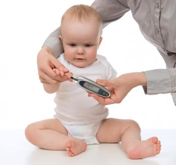 血糖値が検査された赤ちゃん