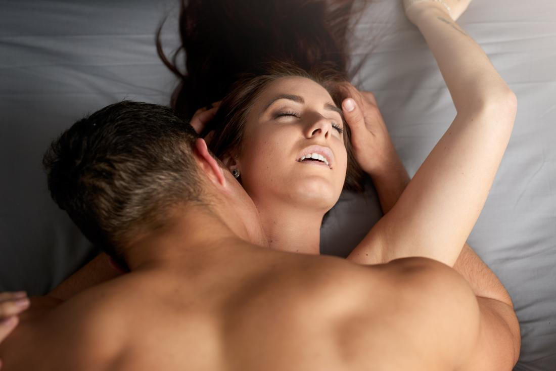 coppia fare sesso