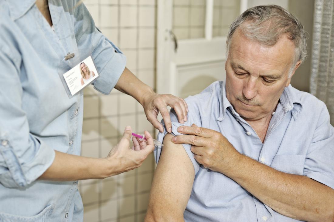 予防接種を受ける高齢者