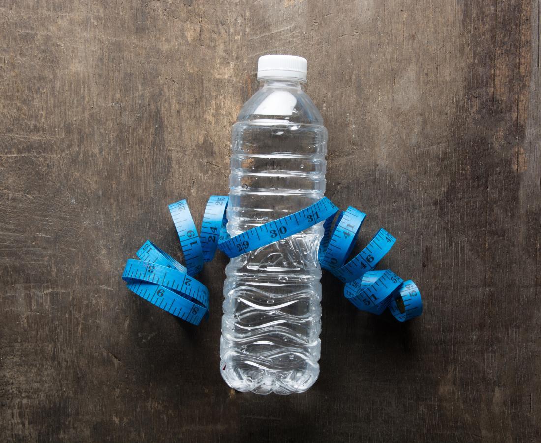 測定テープ付き水ボトル