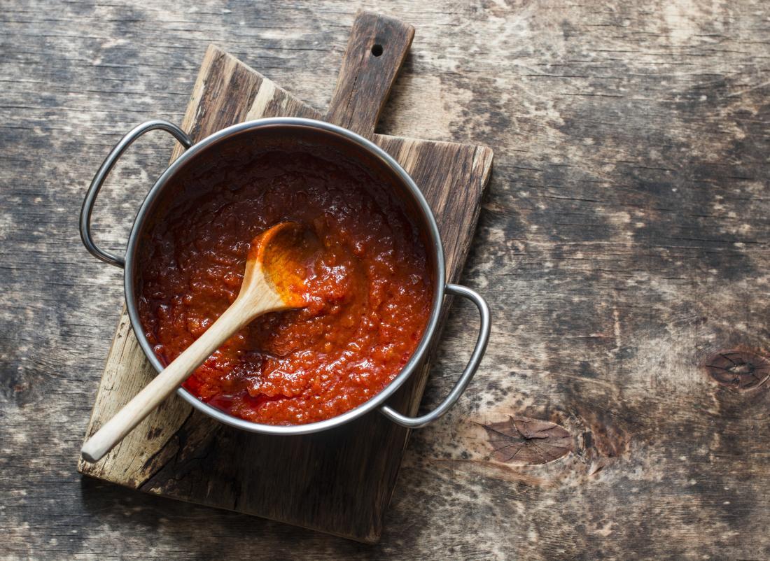 casserole de sauce tomate
