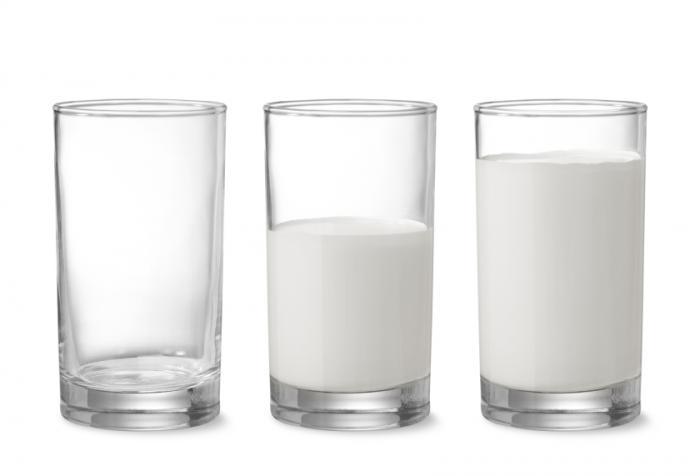 [牛乳の眼鏡]