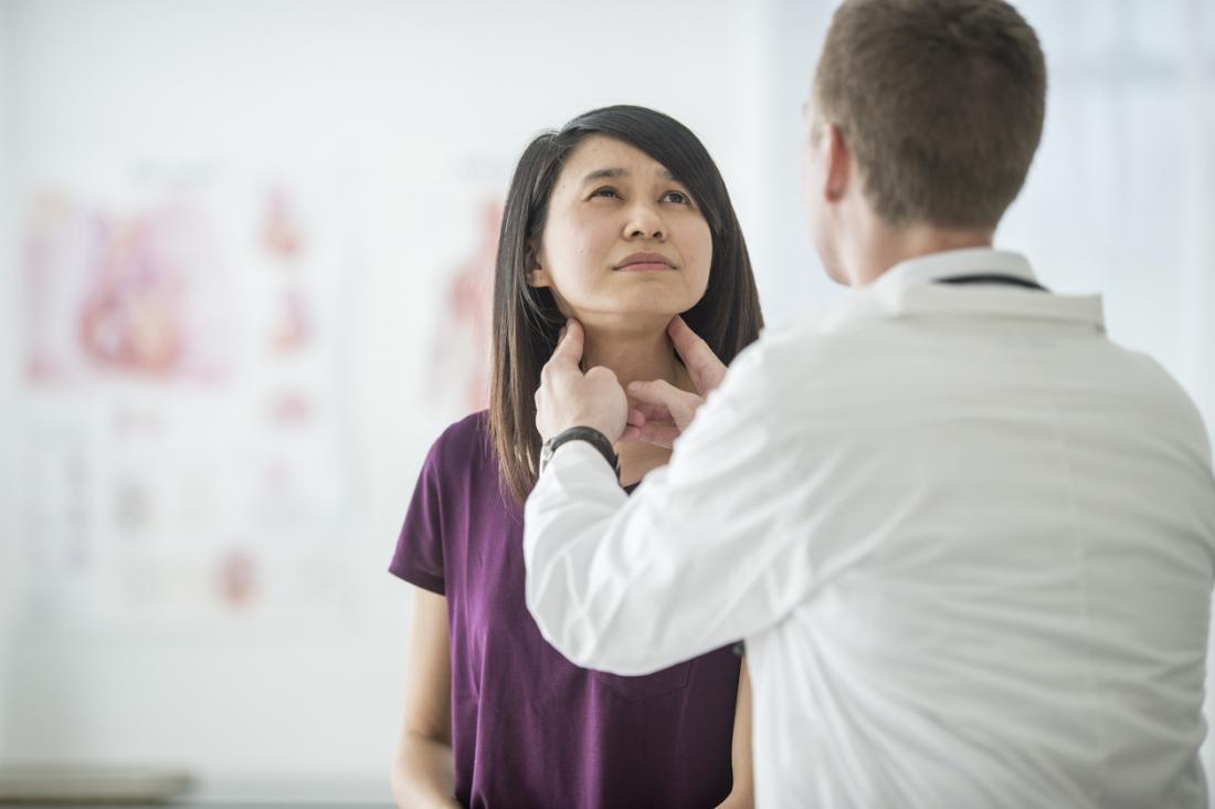 Überprüfung der Lymphknoten.