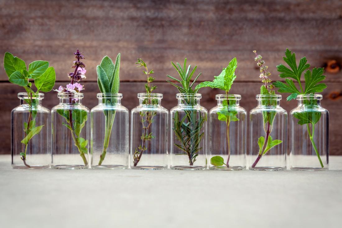 Huiles essentielles à base de plantes