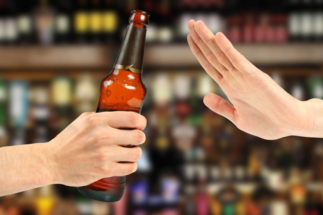 odrzucając piwo