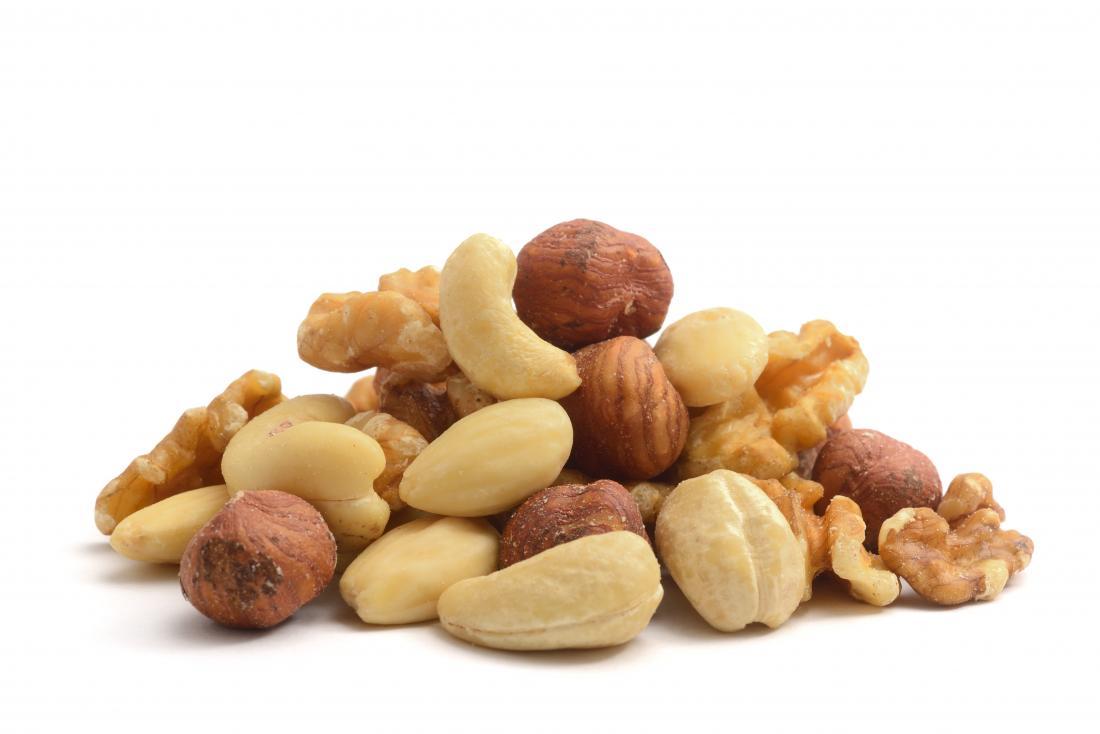 Kleiner Haufen Nüsse