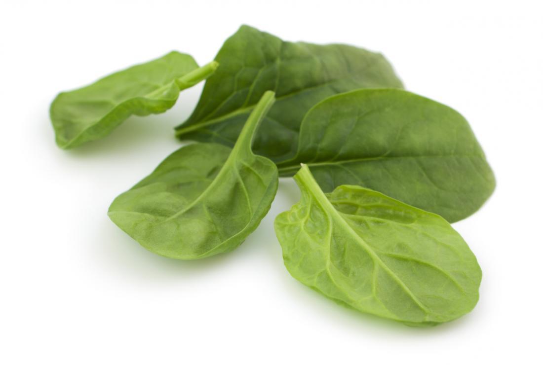 Gli spinaci sono una delle verdure a foglia verde più nutrienti che puoi mangiare.