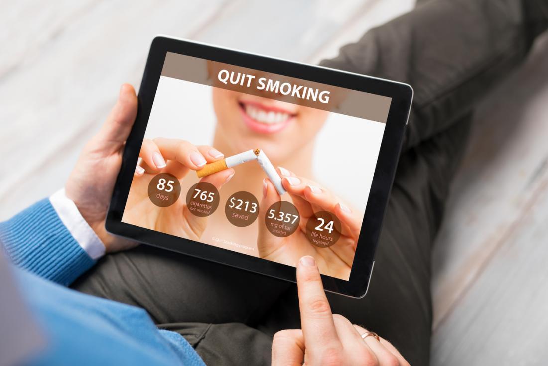 parar de fumar app em um computador tablet