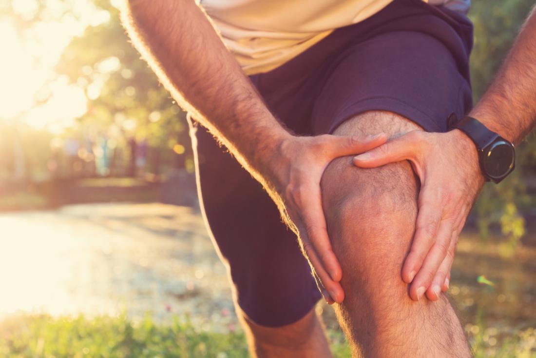 Tendinitis ist eine schmerzhafte Entzündung, die oft durch Überbeanspruchung verursacht wird.