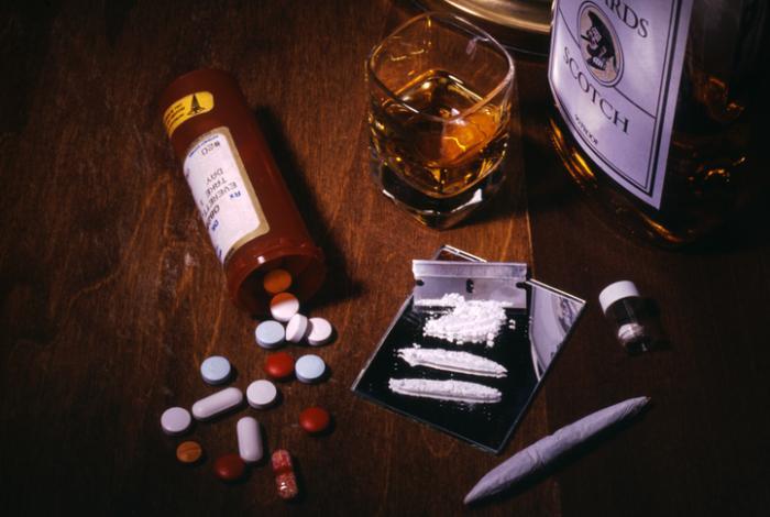 наркотици и алкохол