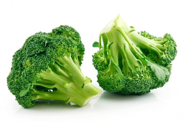 dwie głowy brokułów