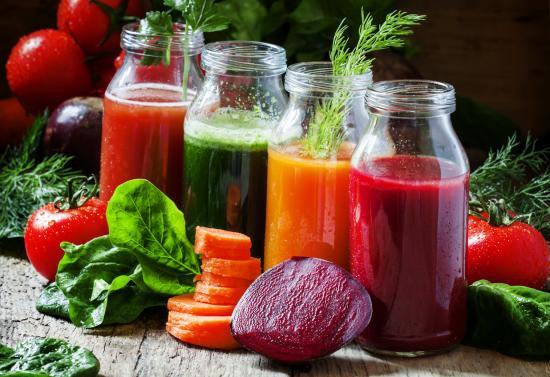 [Rohkost enthält ungekochtes Gemüse, Obst und Säfte]