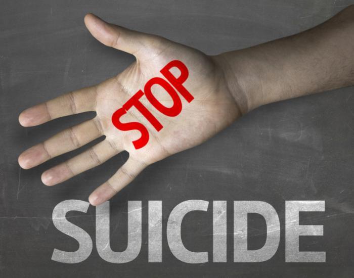 smetti di suicidarti