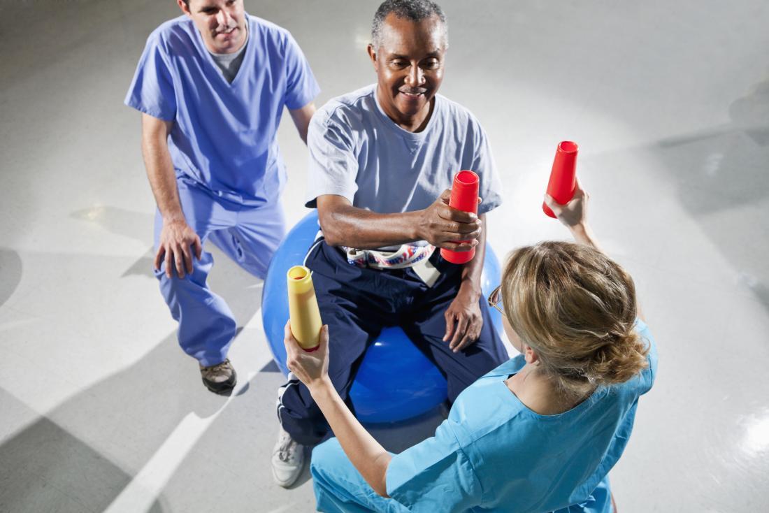 Reconstrução do corpo após o AVC em homens pode ser auxiliada com fisioterapia
