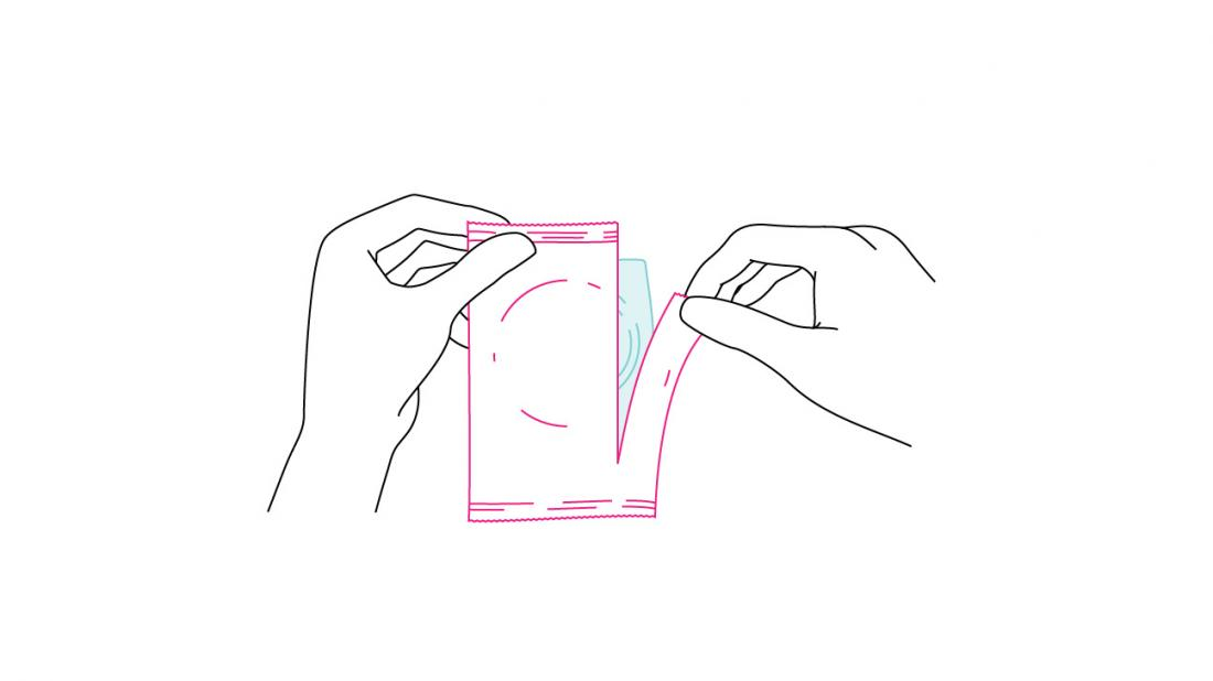ein Kondom öffnen