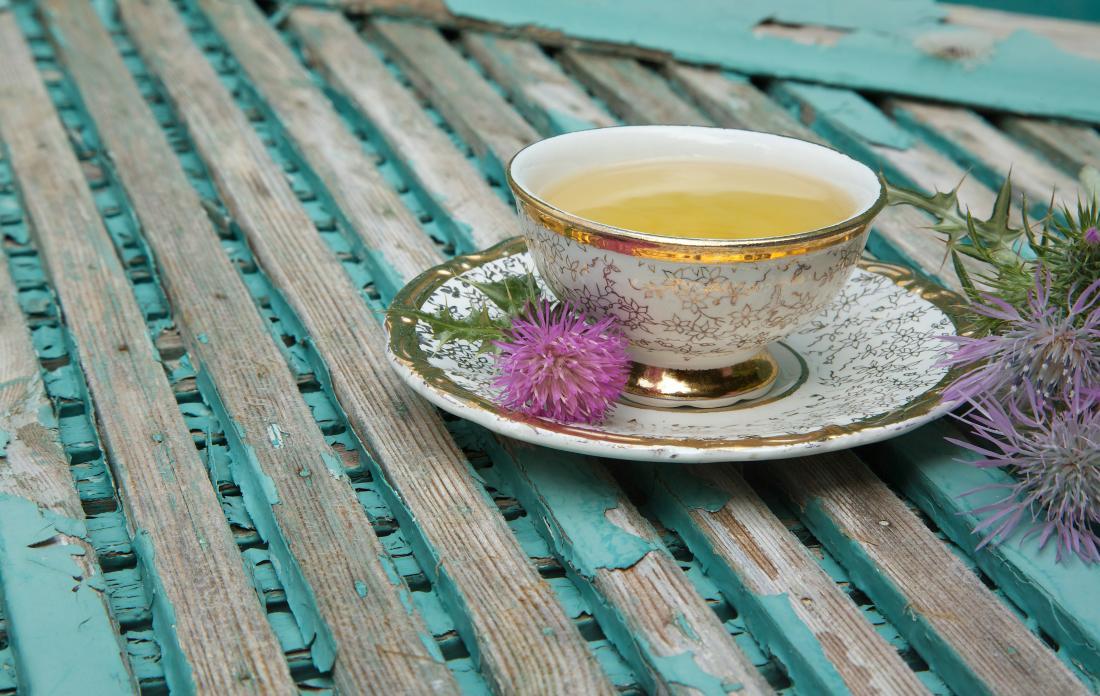花のミルクシスル茶。
