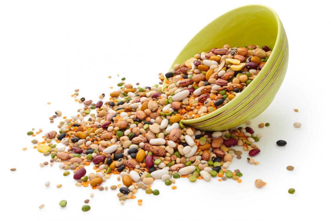 grãos e grãos de gorjeta de tigela de cereais