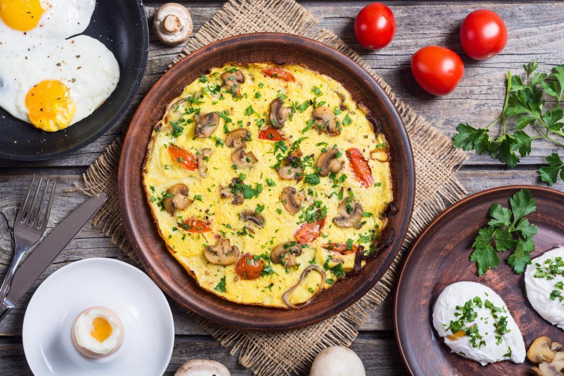 Les œufs cuits de différentes façons sont une bonne option pour un régime faible en glucides