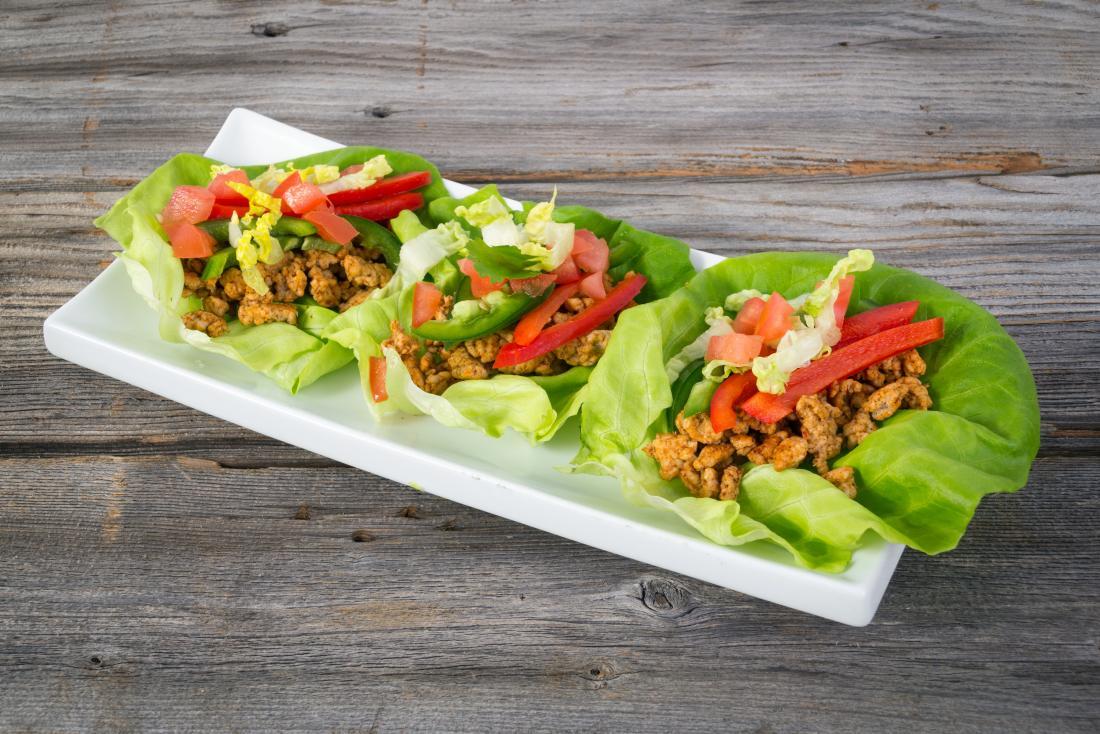 tacos de feuilles de laitue pour un régime faible en glucides