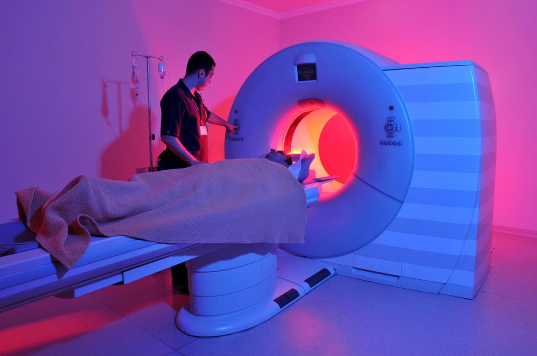 Ein MRI-Scanner wird verwendet, um Prostatakrebs zu erkennen